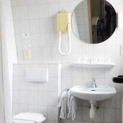 Отель Alp de Veenen Hotel Нидерланды, Амстелвен - отзывы, цены и фото номеров - забронировать отель Alp de Veenen Hotel онлайн ванная