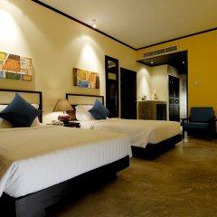 Отель Novotel Phuket Karon Beach Resort & Spa Пхукет сейф в номере