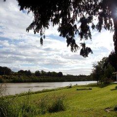 Отель Whanganui River Top 10 Holiday Park пляж
