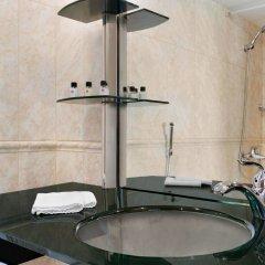 Отель Рамада Ташкент Узбекистан, Ташкент - отзывы, цены и фото номеров - забронировать отель Рамада Ташкент онлайн ванная