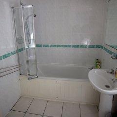 Отель 2 Bedroom Meadows Flat Эдинбург ванная