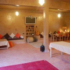Отель L'Homme du Désert Марокко, Мерзуга - отзывы, цены и фото номеров - забронировать отель L'Homme du Désert онлайн питание фото 3