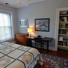 Отель Historic Capitol Stay Steps To World Power 5 Bedroom Home Вашингтон комната для гостей фото 3