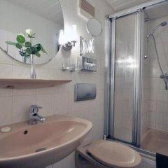 Hotel Am Ehrenhof Дюссельдорф ванная