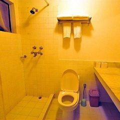 Отель Dhulikhel Mountain Resort Непал, Дхуликхел - отзывы, цены и фото номеров - забронировать отель Dhulikhel Mountain Resort онлайн ванная