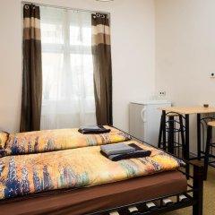 Апартаменты Apartment Four Year Seasons Прага комната для гостей фото 4