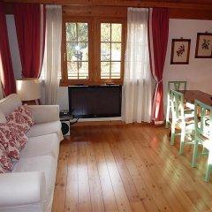 Отель Drive - Three Bedroom Швейцария, Гштад - отзывы, цены и фото номеров - забронировать отель Drive - Three Bedroom онлайн комната для гостей фото 3