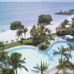 Отель Shangri-La's Mactan Resort & Spa бассейн