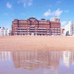 Отель Hilton Brighton Metropole пляж