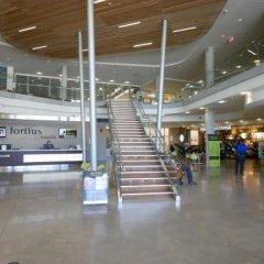Отель Lodge @ Fortius Sport & Health Канада, Бурнаби - отзывы, цены и фото номеров - забронировать отель Lodge @ Fortius Sport & Health онлайн интерьер отеля