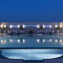 Отель Hilton Garden Inn New Delhi/Saket Индия, Нью-Дели - отзывы, цены и фото номеров - забронировать отель Hilton Garden Inn New Delhi/Saket онлайн бассейн фото 2