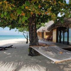 Отель Le Taha'a Island Resort & Spa пляж фото 2