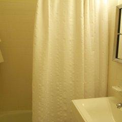Отель Chelsea West 30th Street - 1BR Apartment США, Нью-Йорк - отзывы, цены и фото номеров - забронировать отель Chelsea West 30th Street - 1BR Apartment онлайн ванная
