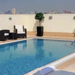 Отель Avani Deira Dubai Hotel ОАЭ, Дубай - 1 отзыв об отеле, цены и фото номеров - забронировать отель Avani Deira Dubai Hotel онлайн бассейн