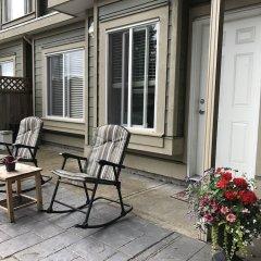 Отель Upper Deer Lake Family Duplex Suite Канада, Бурнаби - отзывы, цены и фото номеров - забронировать отель Upper Deer Lake Family Duplex Suite онлайн фото 2