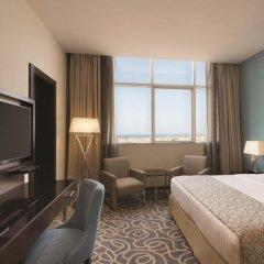 Отель Ramada Corniche 4* Номер Делюкс фото 11