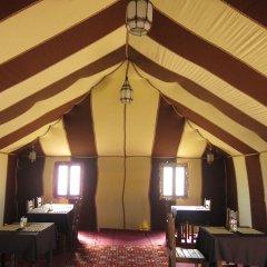 Отель Le Mirage Erg Chebbi Luxury Desert Camp Марокко, Мерзуга - отзывы, цены и фото номеров - забронировать отель Le Mirage Erg Chebbi Luxury Desert Camp онлайн развлечения