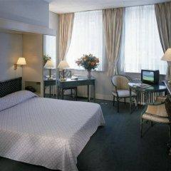 Отель Madeleine Budget Rooms Grand Place комната для гостей