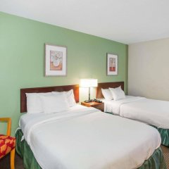 Отель Baymont Inn & Suites Jefferson City комната для гостей фото 4