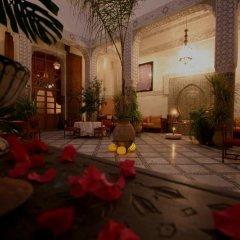 Отель Riad Dar Dmana Марокко, Фес - отзывы, цены и фото номеров - забронировать отель Riad Dar Dmana онлайн интерьер отеля фото 3