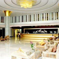 Aiyara Grand Hotel интерьер отеля фото 2