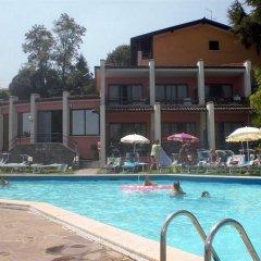 Hotel Belvedere Манерба-дель-Гарда бассейн фото 3