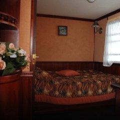 Отель Bogdan Khmelnytskyi Киев комната для гостей фото 5