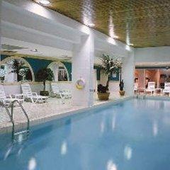 Отель SoHo Metropolitan Hotel Канада, Торонто - отзывы, цены и фото номеров - забронировать отель SoHo Metropolitan Hotel онлайн бассейн фото 3
