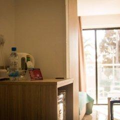 Pambos Napa Rocks Hotel - Adults Only в номере