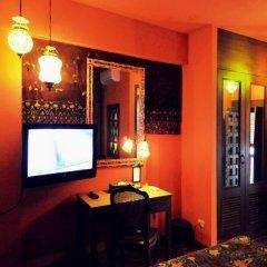 Отель Chakrabongse Villas Бангкок гостиничный бар