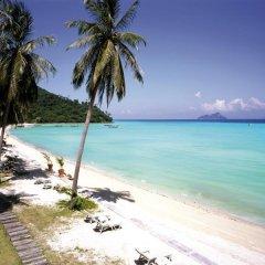 Отель Phi Phi Island Village Beach Resort пляж