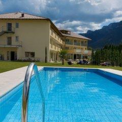 Hotel Weingarten Кальдаро-сулла-Страда-дель-Вино бассейн фото 3