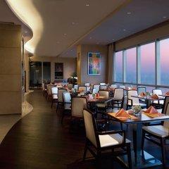 Отель DoubleTree by Hilton Hotel Xiamen - Wuyuan Bay Китай, Сямынь - отзывы, цены и фото номеров - забронировать отель DoubleTree by Hilton Hotel Xiamen - Wuyuan Bay онлайн питание