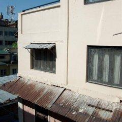 Отель Pariwar B&B Непал, Катманду - отзывы, цены и фото номеров - забронировать отель Pariwar B&B онлайн балкон