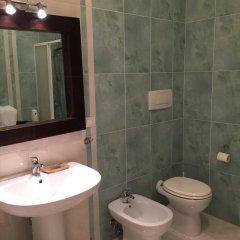 Отель Casa Dei Mercanti Town House Лечче ванная фото 2