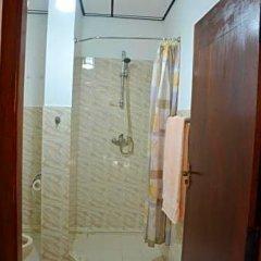 Отель Welcome Family Guest House Шри-Ланка, Бентота - отзывы, цены и фото номеров - забронировать отель Welcome Family Guest House онлайн ванная