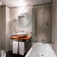 Отель Best Western Hôtel Mercedes Arc de Triomphe ванная фото 2