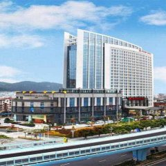 Peony International Hotel балкон