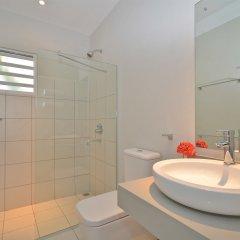 Отель Mon Choisy Beach Resort ванная фото 2