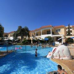 Jacaranda Hotel Apartments бассейн фото 3