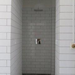Апартаменты Apartment close to Marble Church 1290-1 ванная