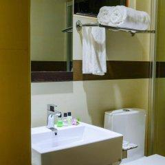 Отель Clear Sky Inn By Wonderland Maldives Мале ванная фото 2