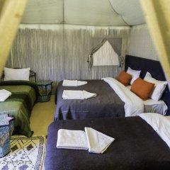 Отель Azawad luxury Desert Camp Марокко, Мерзуга - отзывы, цены и фото номеров - забронировать отель Azawad luxury Desert Camp онлайн комната для гостей фото 4