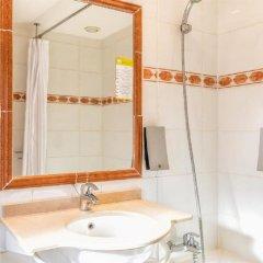 Hotel Univers Ницца ванная