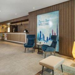 Отель DoubleTree by Hilton Hotel and Residences Dubai Al Barsha ОАЭ, Дубай - 1 отзыв об отеле, цены и фото номеров - забронировать отель DoubleTree by Hilton Hotel and Residences Dubai Al Barsha онлайн интерьер отеля фото 2