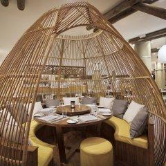 Отель La Pirogue A Sun Resort питание фото 2