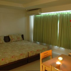 Отель Suvarnabhumi Apartment Таиланд, Бангкок - отзывы, цены и фото номеров - забронировать отель Suvarnabhumi Apartment онлайн комната для гостей фото 3