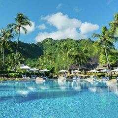 Отель Hilton Moorea Lagoon Resort and Spa Французская Полинезия, Муреа - отзывы, цены и фото номеров - забронировать отель Hilton Moorea Lagoon Resort and Spa онлайн бассейн