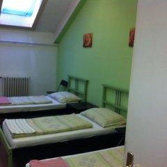 Zrinyi Hostel комната для гостей фото 3
