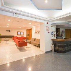 Отель Hostal Adelino интерьер отеля